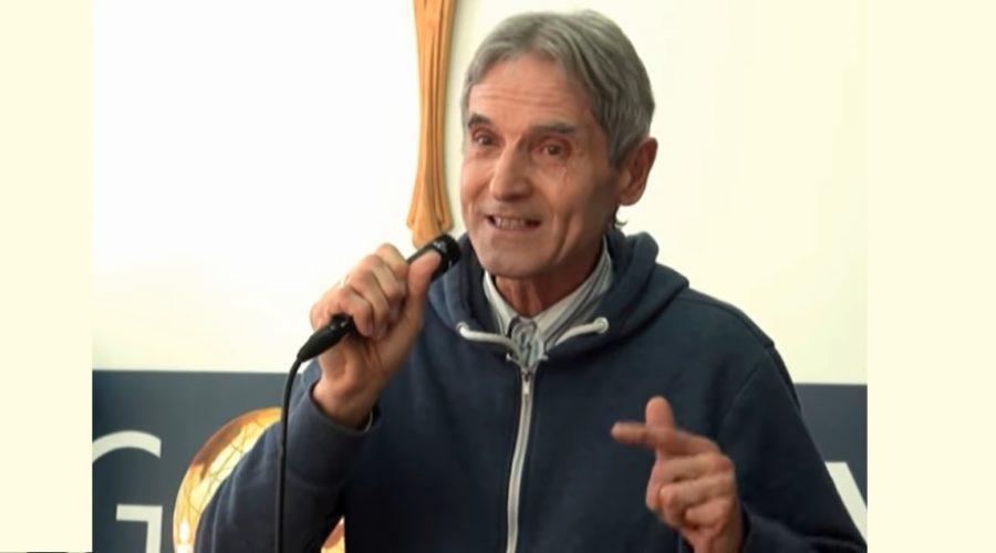 Josef Janda, který vystupuje v duchovně zaměřených pořadech a videích. (Screenshot / YouTube)