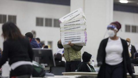 Mrtví lidé odevzdali hlasovací lístky vMichiganu, tvrdí výzkumný pracovník Big Data Poll