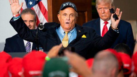 Giuliani: 650000 hlasů ve Filadelfii aPittsburghu bylo sečteno nezákonně