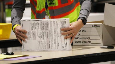 USA: Nejvyšší soud nařídil Pensylvánii oddělit pozdě doručené hlasovací lístky