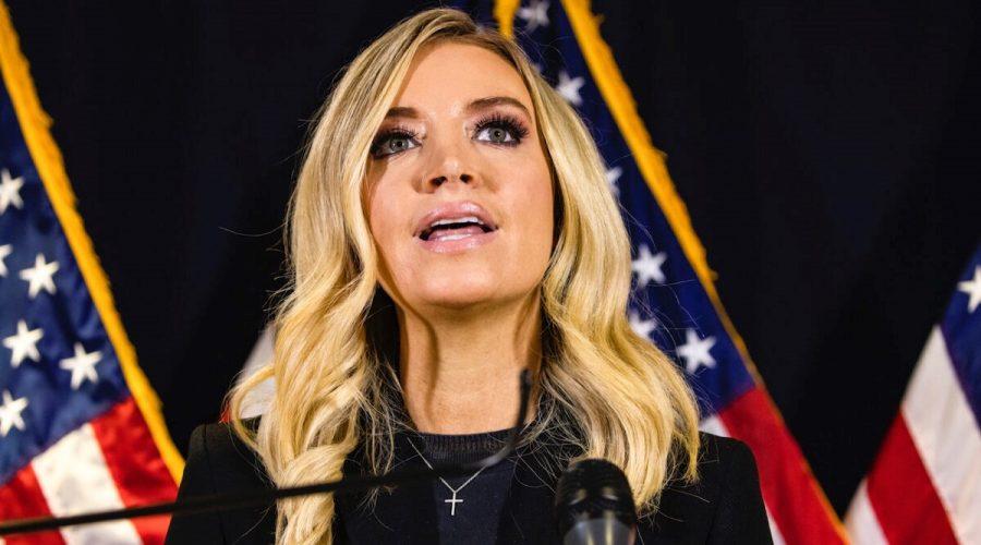 Tisková mluvčí Bílého domu Kayleigh McEnanyová na tiskové konferenci ve Washingtonu 9. listopadu 2020. (Samuel Corum / Getty Images)