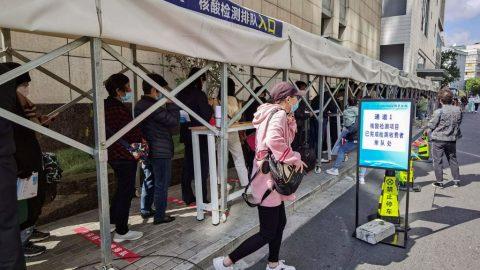 V některých čínských městech se opět šíří Covid-19, byla uzavřena inemocnice