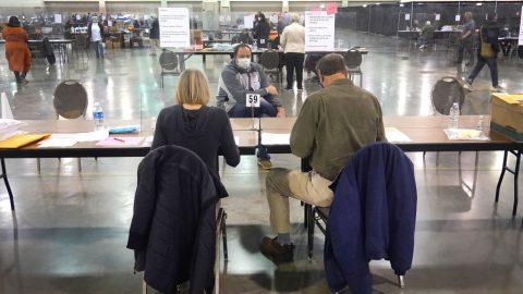 Wisconsin: Právní společnost identifikovala 144000 potenciálně podvodných hlasů