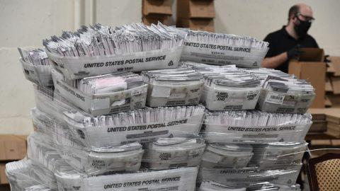 Stovky voličů vPensylvánii uvádějí, že jejich poštou zaslané hlasovací lístky nejsou registrovány ve státních datech