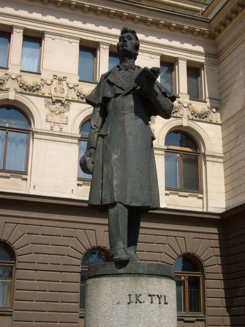 Socha Josefa Kajetána Tyla v Plzni