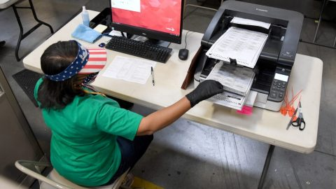 Pensylvánie: Soud rozhodl. Státní tajemnice neoprávněně změnila datum uzavření voleb