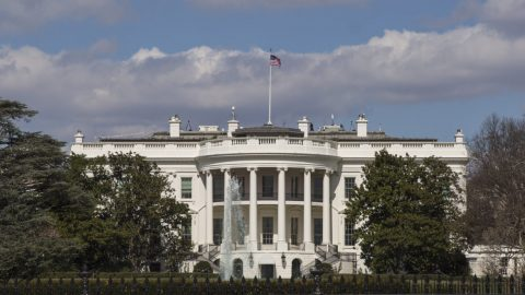 Trump podepsal výkonné nařízení, které doporučuje klasickou architekturu pro federální budovy