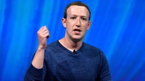 Ředitel Facebooku Zuckerberg daroval 500 milionů dolarů volebním úředníkům. Podle TMS nezákonně ovlivňoval volby vUSA