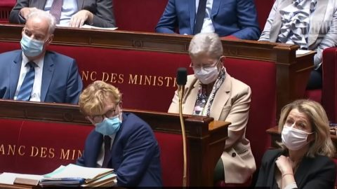 Francie: 60 zákonodárců je znepokojeno praktikami čínských transplantačních center. Navrhují nový zákon