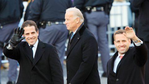 """Experti zkoumají vazby Bidenovy rodiny na čínský režim jako možnou """"bezpečnostní hrozbu"""" (analýza)"""