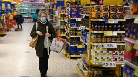 Velká Británie zakáže propagaci nezdravých potravin