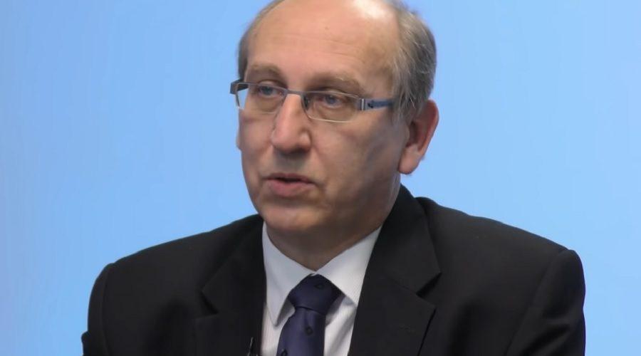 Poslanec Pavel Plzák (ANO) odpovídal na otázky v pořadu XTV, které se otočily okolo nedávných prezidentských voleb v USA. (Screenshot / YouTube)