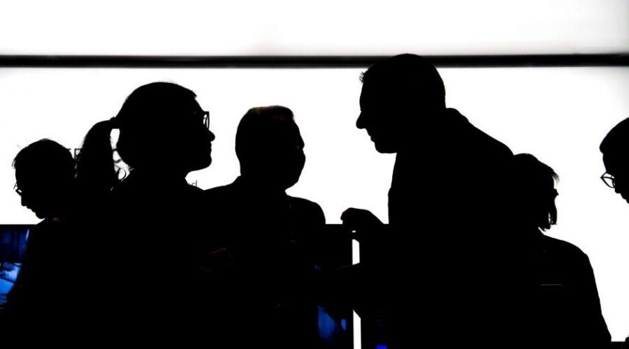 Unikla databáze členů komunistické strany, kteří se infiltrovali do mezinárodních společností, univerzit atd. (Alain Jocard/AFP via Getty Images)