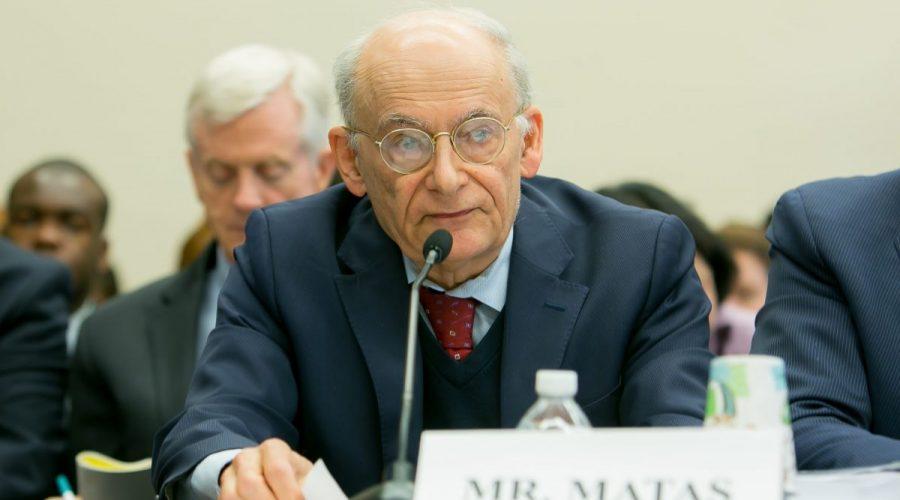 David Matas svědčí během slyšení v Kongresu USA, během slyšení o násilných odběrech orgánů politickým vězňům v Číně. (Lisa Fan / Epoch Times)