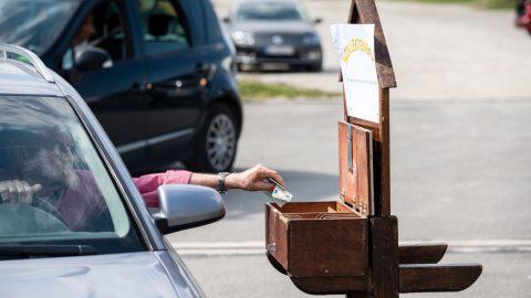 Německo: Dvě ze tří obcí chtějí zvýšit daně apoplatky. Každé třetí město chce zdražit parkování