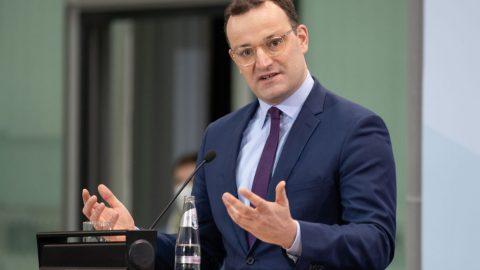 Německý ministr zdravotnictví: Občané si nemohou vybírat druh vakcíny