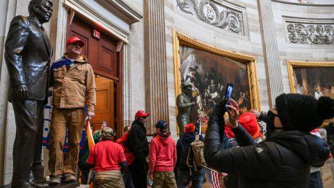 Proč lidé vUSA vnikli do budovy Kapitolu?