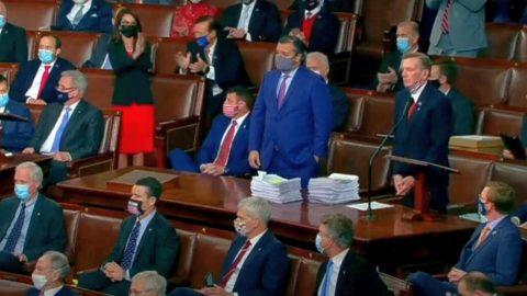 Minuta pominutě: Společné zasedání Kongresu USA pro sčítání hlasů volitelů