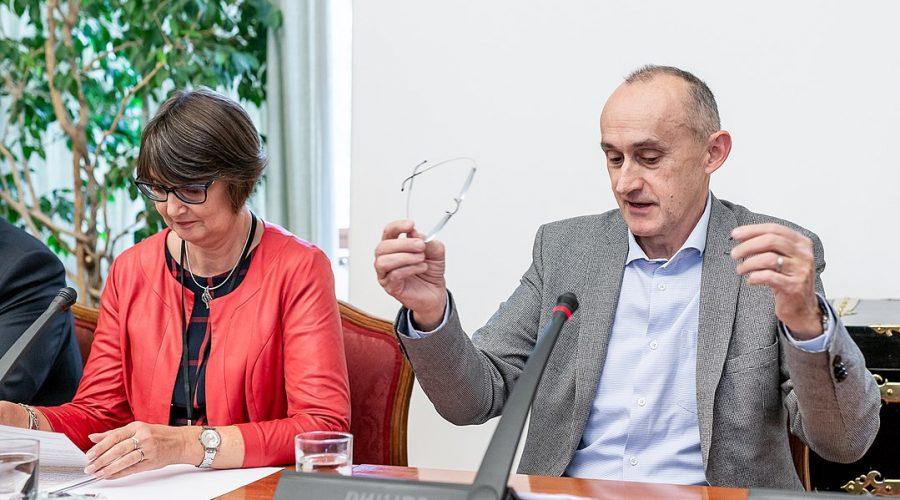 Pavel Baran Rodicovstvi Pece A Vedecka Profese Konference Senat