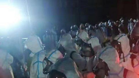 Mrtvá zvířata, prázdné domy – 4000 vesničanů vČíně bylo evakuováno do karantény