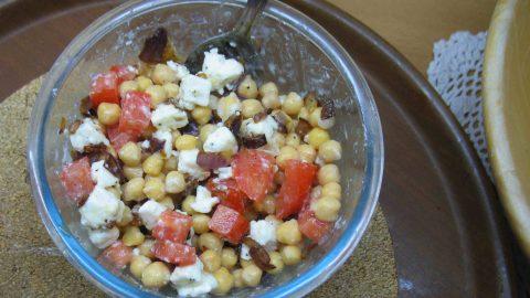Recept: Cizrnový salát sfetou