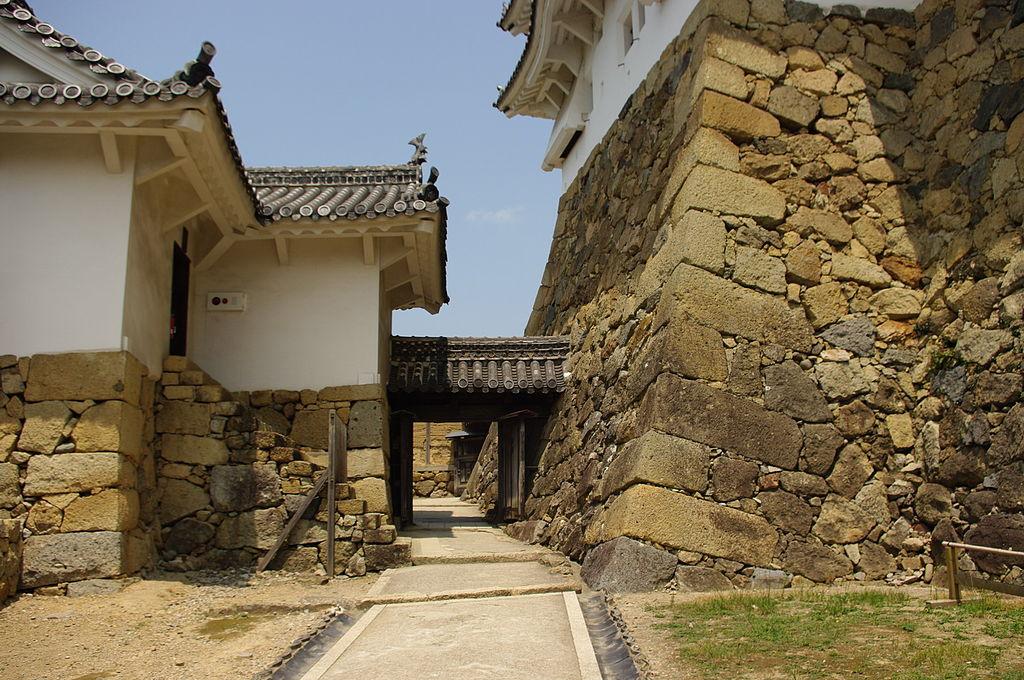Hlavní do hlavní věže hradu Himedži. (Wikivoyage shared / CC BY-SA 3.0)