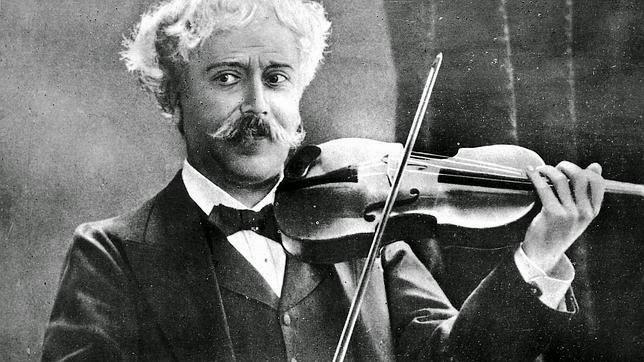 Pablo de Sarasate v roce 1905. (volné dílo)