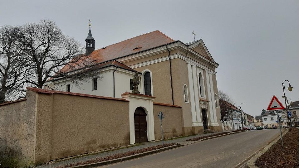 Golčův Jeníkov, děkanský chrám sv. Františka serafínského