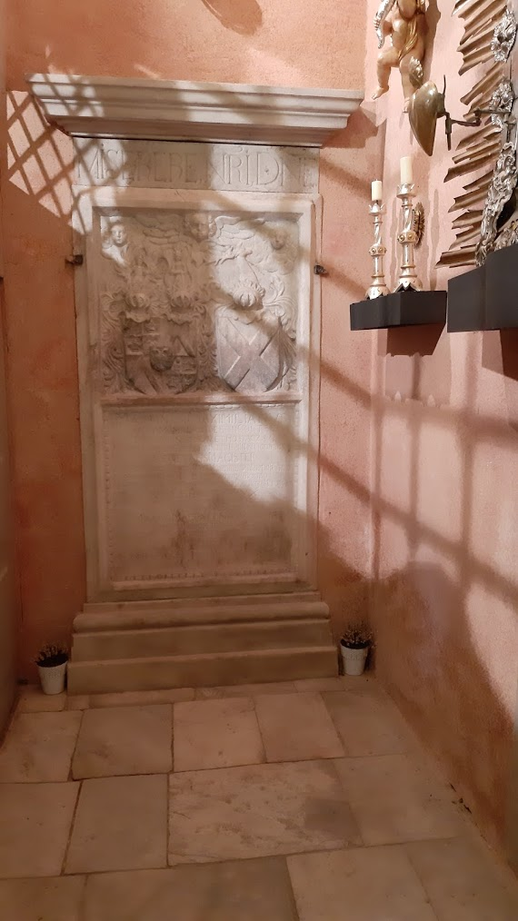 Hrobka Golče