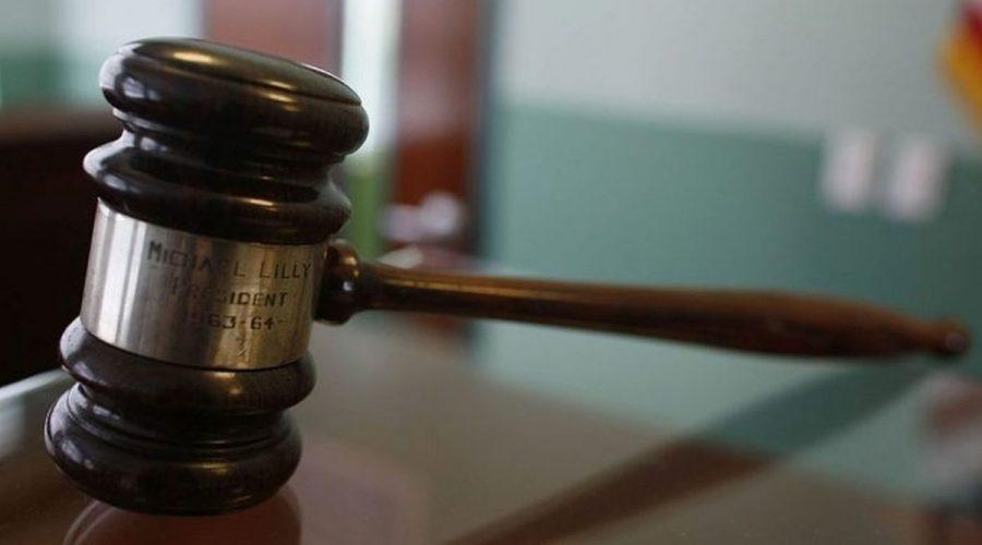 soud rozsudek kladívko