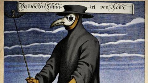 Historické respirátory: Ptačí zoban svonnou esencí