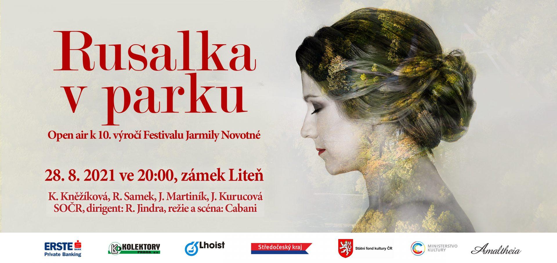 Plakát na air open Rusalka v parku.