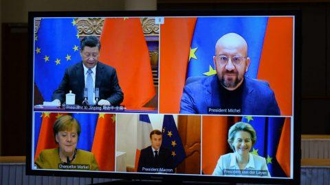 """Brusel kritizuje pekingské """"autoritářské změny"""" anenaplněné obchodní sliby"""