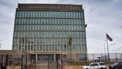 """USA: Senátoři Zpravodajského výboru šetří záhadné útoky na americké diplomaty způsobující """"havanský syndrom"""""""