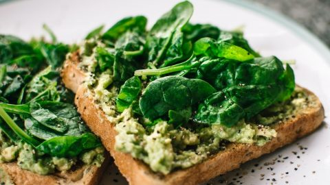 Jídlo jako lék: Zdravá strava vyživuje tělo apomáhá bojovat schorobami