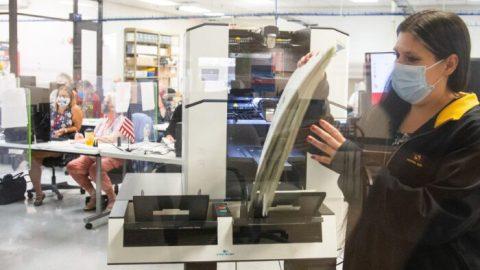 Volební audit 2,1 milionu hlasovacích lístků vokrese Maricopa (Retrospektiva)