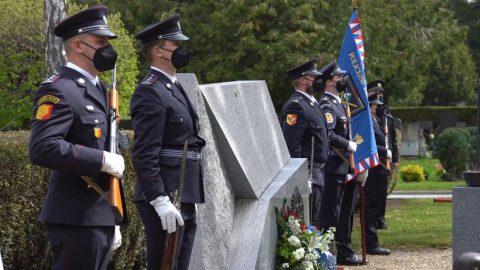 Praha: Policie uctila památku svých hrdinů na Olšanech