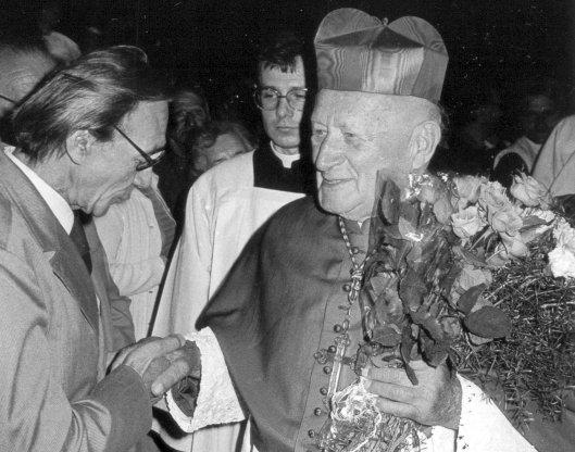 1986 Tomasek Kostel Kemr