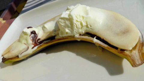 Recept: Banán včokoládě na grilu