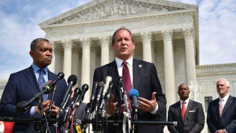 U texaských soudů čeká na projednání více než 500 případů volebních podvodů