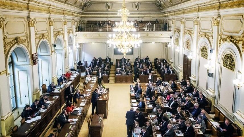 Svobodou projevu na sociálních sítích se bude zabývat seminář v Poslanecké sněmovně. (Sosp.cz)