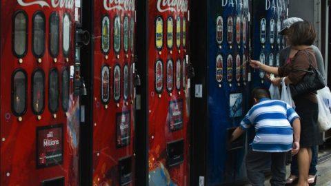 Akcionáři varují, že politika firmy Coca-Cola voblasti diverzity povede kporušování antidiskriminačních zákonů