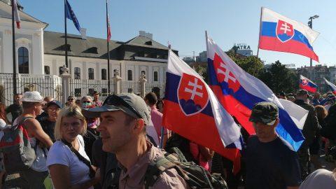 V Bratislavě se protestovalo proti covidovým opatřením