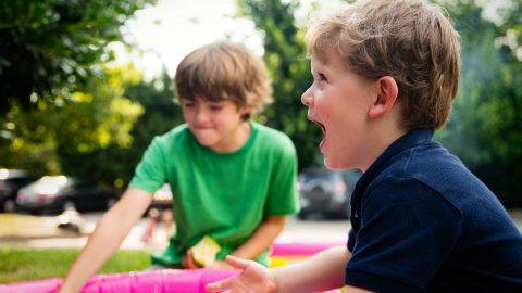 Speciál pro páťáky: Pomozte svým dětem odolat tlaku vrstevníků anajít vlastní já
