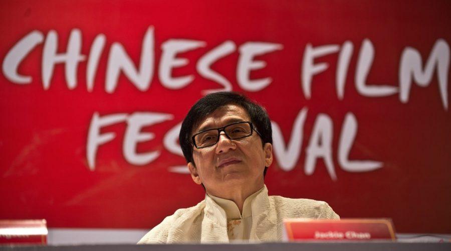 Hongkongský herec Jackie Chan na tiskové konferenci v rámci festivalu čínských filmů v Dillí, 18. června 2013. (MANAN VATSYAYANA / AFP / Getty Images)