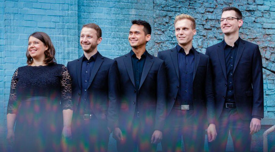 Renomovaný německý soubor Calmus Ensemble. (letnislavnosti.cz)