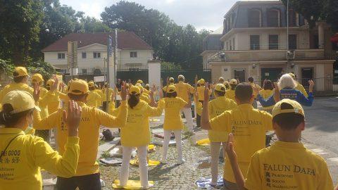 Praha: Další výzva čínskému režimu kukončení pronásledování Falun Gongu