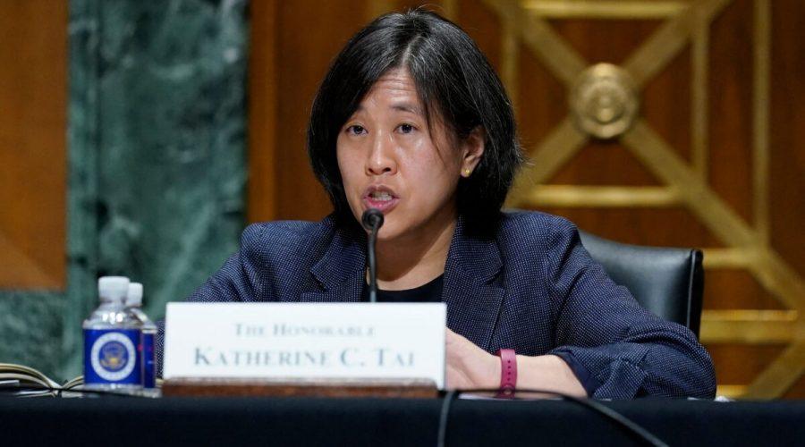 Obchodní zástupkyně Katherine Taiová vypovídá před finančním výborem Senátu na Kapitolu ve Washingtonu, 12. května 2021. (Susan Walsh / Pool / AFP via Getty Images)