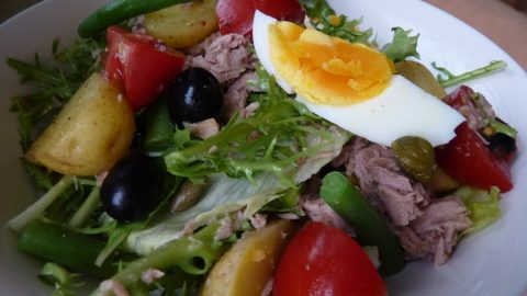Recept: Letní tuňákový salát
