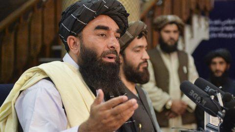Mluvčí Tálibánu mohou tweetovat, na Facebooku aYouTube mají zákaz